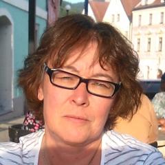 Dipl.-Übers. Ruth Schneppen-Christmann